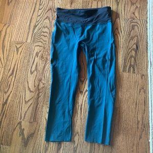 Lululemon green cropped leggings